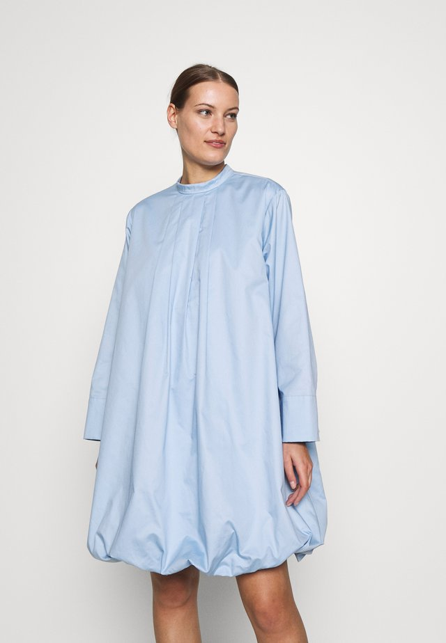 ADDACRAS DRESS - Sukienka letnia - light blue