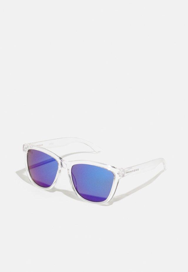 ONE UNISEX - Solglasögon - transparent