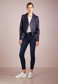 J.CREW - Jeans Skinny Fit - deep indigo - 1