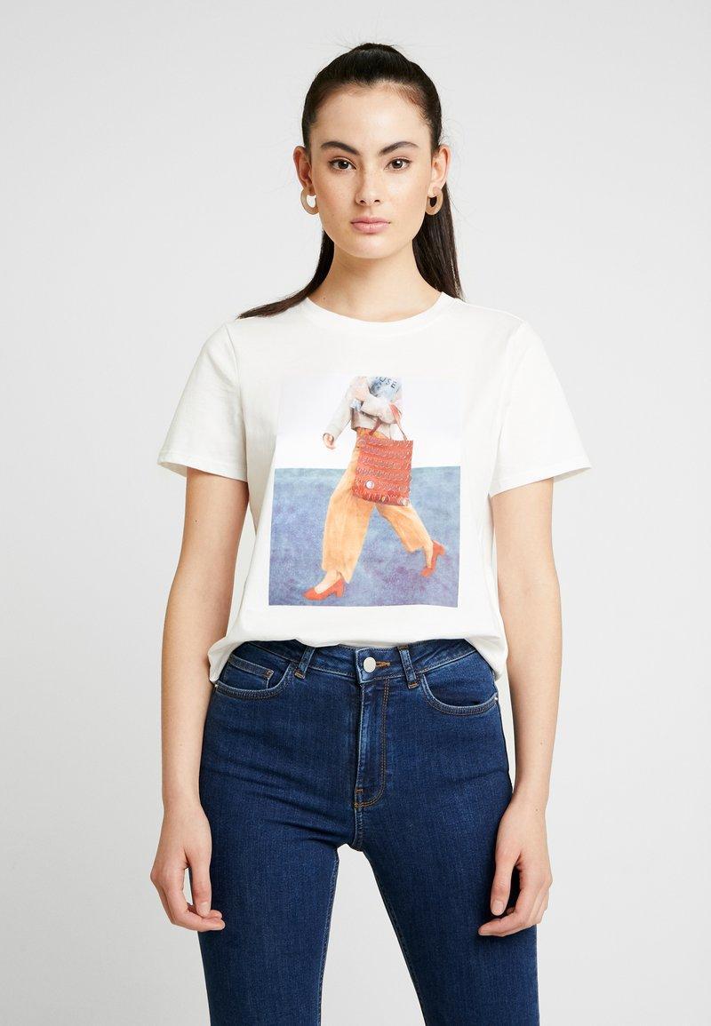 Vero Moda - VMFLANSA - Print T-shirt - snow white