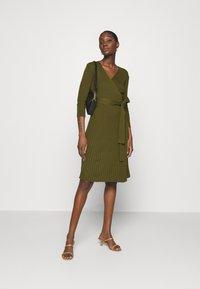 Dorothy Perkins - WRAP DRESS - Jumper dress - khaki - 1