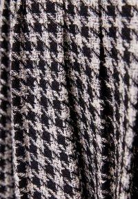 Bershka - Áčková sukně - black - 5