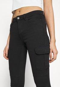 ONLY - ONLMISSOURI LIFE CARGO - Jeans Skinny Fit - black denim - 3