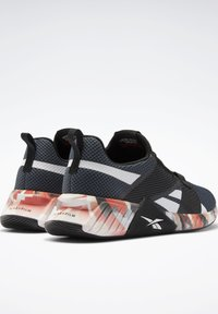 Reebok - FLASHFILM TRAIN 2  - Obuwie treningowe - black - 5