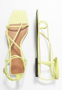 Who What Wear - ZANDER - Sandály s odděleným palcem - limeade - 3