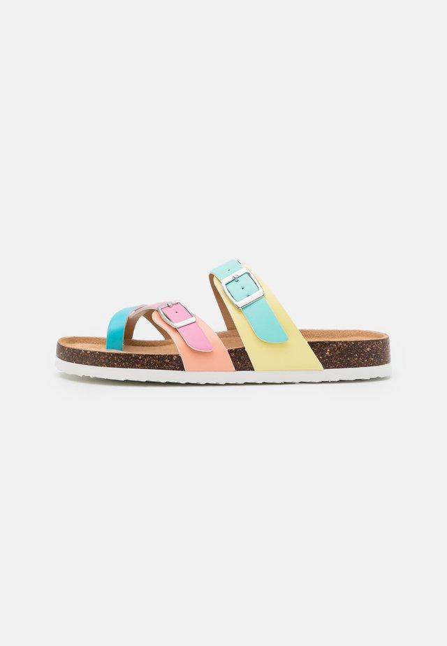 JBEACHED - Teensandalen - fun summer multicolor