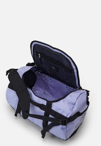 The North Face - BASE CAMP DUFFEL S UNISEX - Sports bag - sweet lavender/black - 3