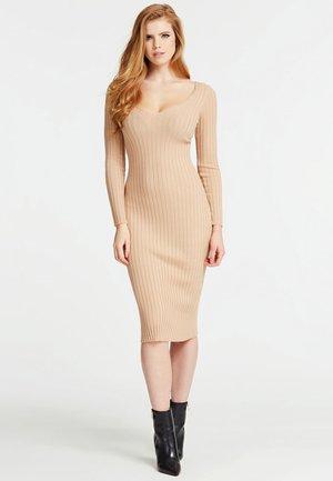 LANGES OFF-SHOULDER-KLEID - Shift dress - beige