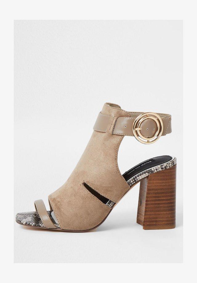 Korolliset sandaalit - grey