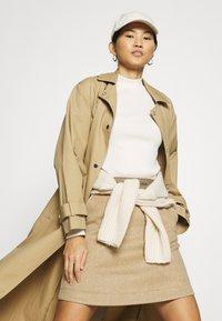 Calvin Klein Jeans - MOCK NECK TEE - Long sleeved top - soft cream - 4
