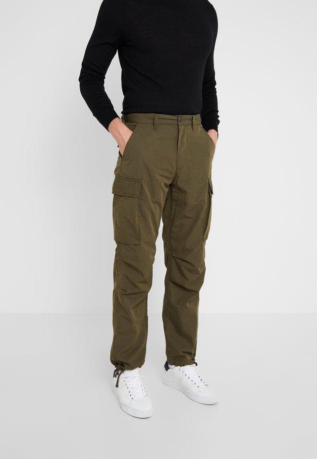 BRIGADE PANT - Pantaloni cargo - dark sage