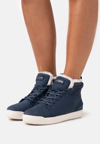 Lacoste - EXPLORATEUR THERMO - Baskets montantes - navy/offwhite - 0