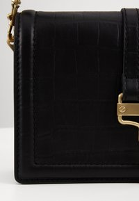 Versace Jeans Couture - SHOULDER BAG - Håndveske - nero - 3