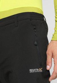 Regatta - GEO Softshell II - Pantalons outdoor - black - 5