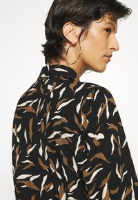 Object Tall - OBJLORENA LONG DRESS - Maxi dress - black/sepia/sandshell - 3