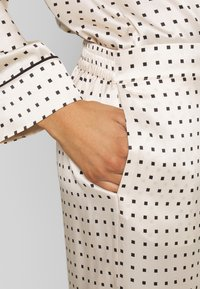 ASCENO - THE LONDON BOTTOM - Pantaloni del pigiama - cream - 4