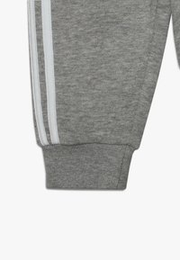 adidas Originals - OUTLINE HOODIE SET - Træningssæt - medium grey heather/white - 4
