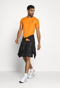 ASICS - VENTILATE - Print T-shirt - orange pop - 1
