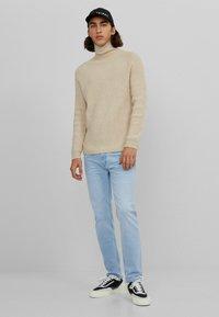 Bershka - Slim fit jeans - light blue - 1