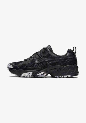 GEL NANDI - Sneakersy niskie - black/black