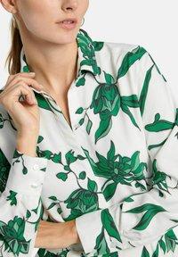 PETER HAHN - Shirt dress - weiß/grün/multicolor - 3
