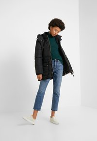 J.CREW - LAYLA TURTLENECK - Sweter - old forest - 1
