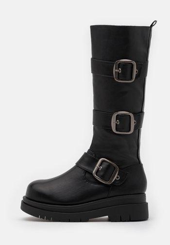 VEGAN - Platform boots - black