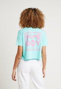 Homeboy - CATE T-SHIRT - T-shirts med print - aruba green - 2