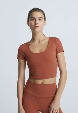COMFORTLUX  - Basic T-shirt - orange