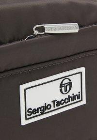Sergio Tacchini - RUBENS WAISTBAG - Ledvinka - black - 4