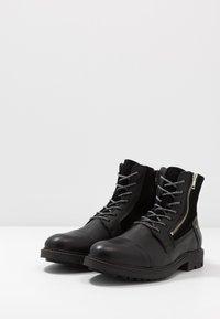 Steve Madden - Šněrovací kotníkové boty - black - 2