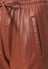 Oakwood - GIFT - Leather trousers - light brown - 6