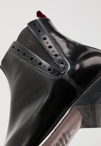 Jeffery West - PINO CENTRE SEAM CHELSEA - Stivaletti texani / biker - college black - 5