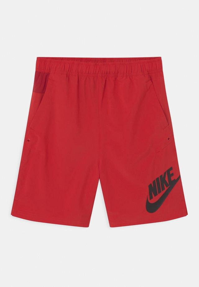 Shorts - university red/ white