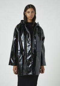 PULL&BEAR - Regenjacke / wasserabweisende Jacke - black - 0