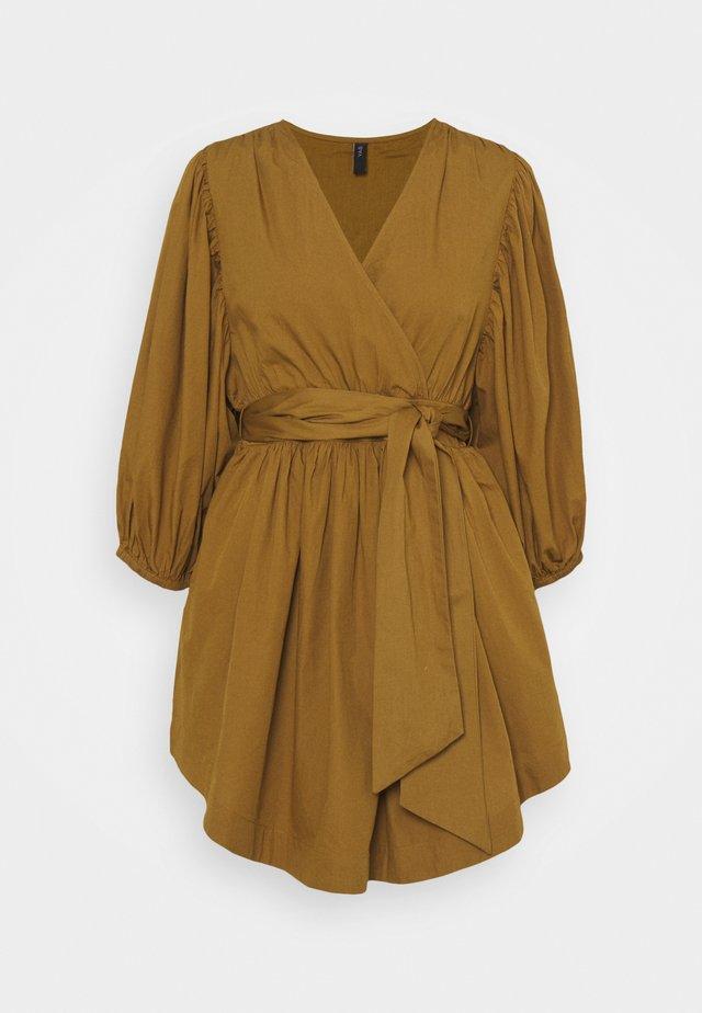 YASERMI 3/4 DRESS  - Day dress - butternut