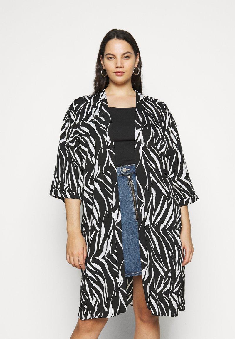 New Look Curves - ZEBRA KIMONO - Lehká bunda - black