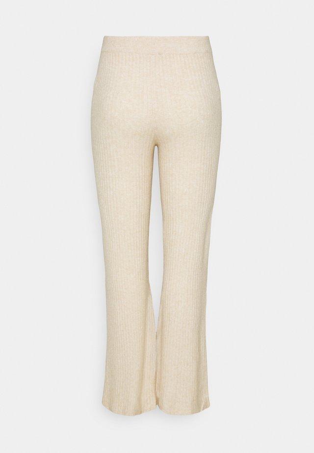 NMALLY LOOSE PANT CURVE - Broek - off white / melange