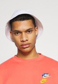 Nike Sportswear - Sweatshirt - magic ember - 3