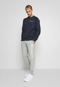 Champion - CUFF PANTS - Pantaloni sportivi - grey - 1