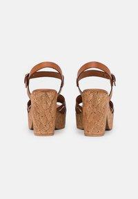 Musse & Cloud - KATYA - Sandály na platformě - brown - 2