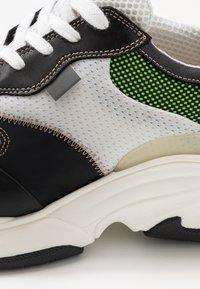 Pregis - KAYO - Trainers - white/green/black - 5