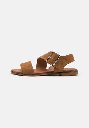 Sandals - muscade