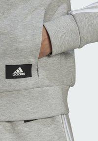adidas Performance - ADIDAS SPORTSWEAR WRAPPED 3-STRIPES SWEATSHIRT - Sweatshirt - grey - 5