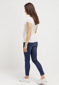 Envie de Fraise - FIONA - Basic T-shirt - off white/navy blue - 2