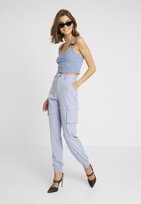 Missguided - CHECK CARGO TROUSER - Trousers - blue - 1