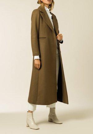 MAXI COAT - Classic coat - beech