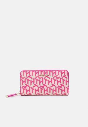 ICONIC LARGE MONO - Peněženka - pink