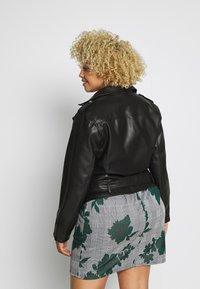 Glamorous Curve - JACKET - Faux leather jacket - black - 2