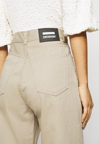 Dr.Denim Petite - ECHO - Relaxed fit jeans - cashew - 3